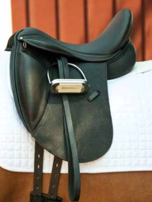 Dynamic Dressage Saddle Smooth leather